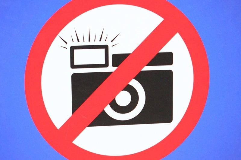 Las Vegas Properties Begin To Allow Photos At Gaming Tables