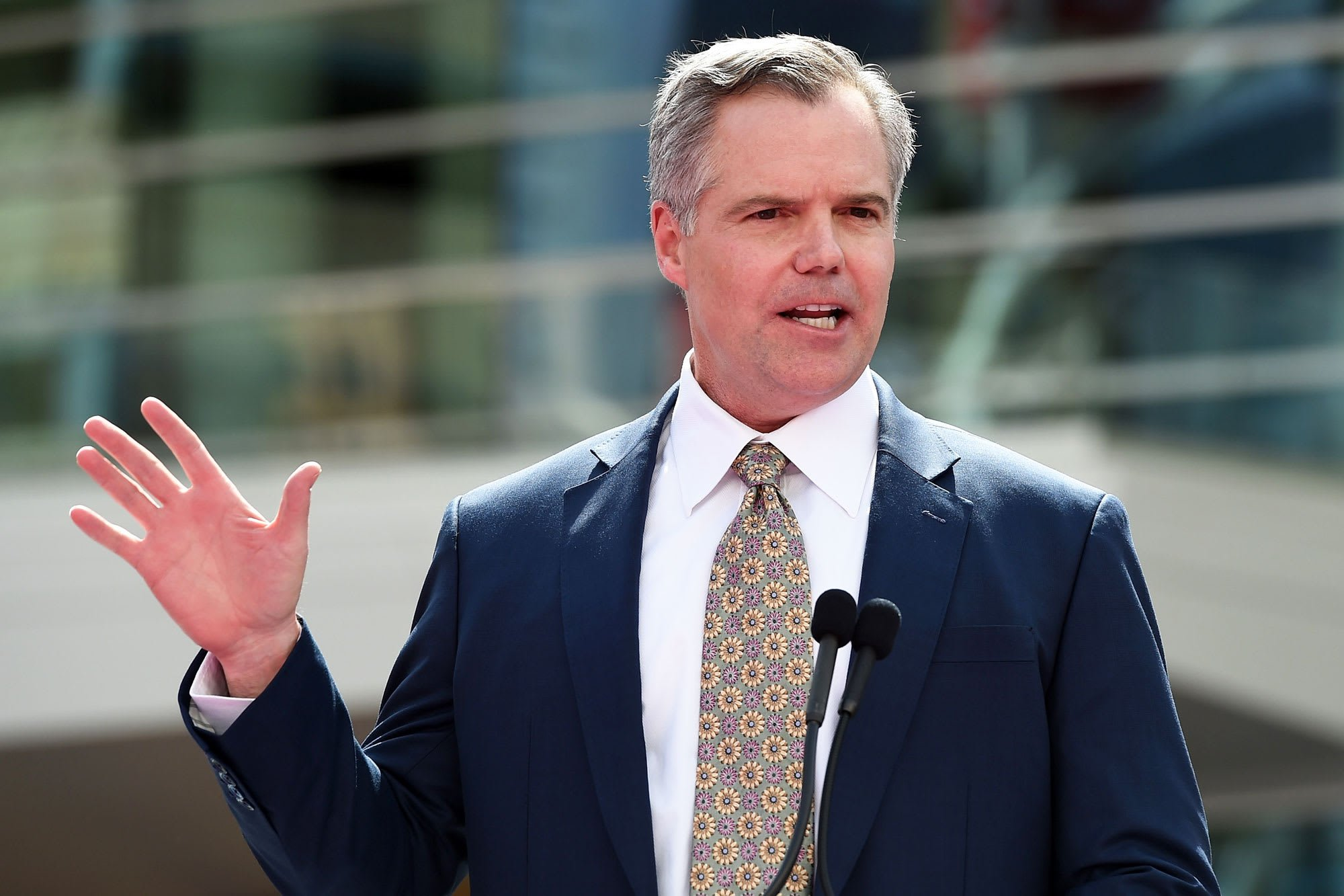 MGM Gives Former CEO Jim Murren $32m Handshake