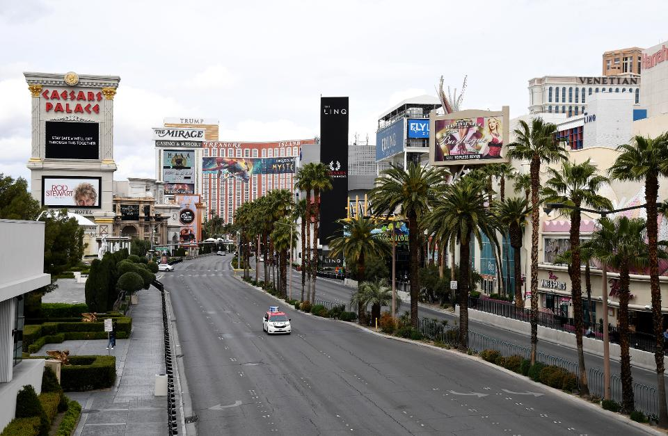 Las Vegas Execs Consider Re-Opening Casinos With Precautions