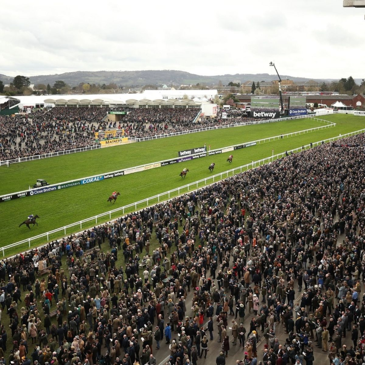 Irish Government's Mass Gathering Ban Puts Doubt On Racing Events