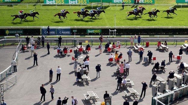 Irish Racecourses Limited To 500 Spectators