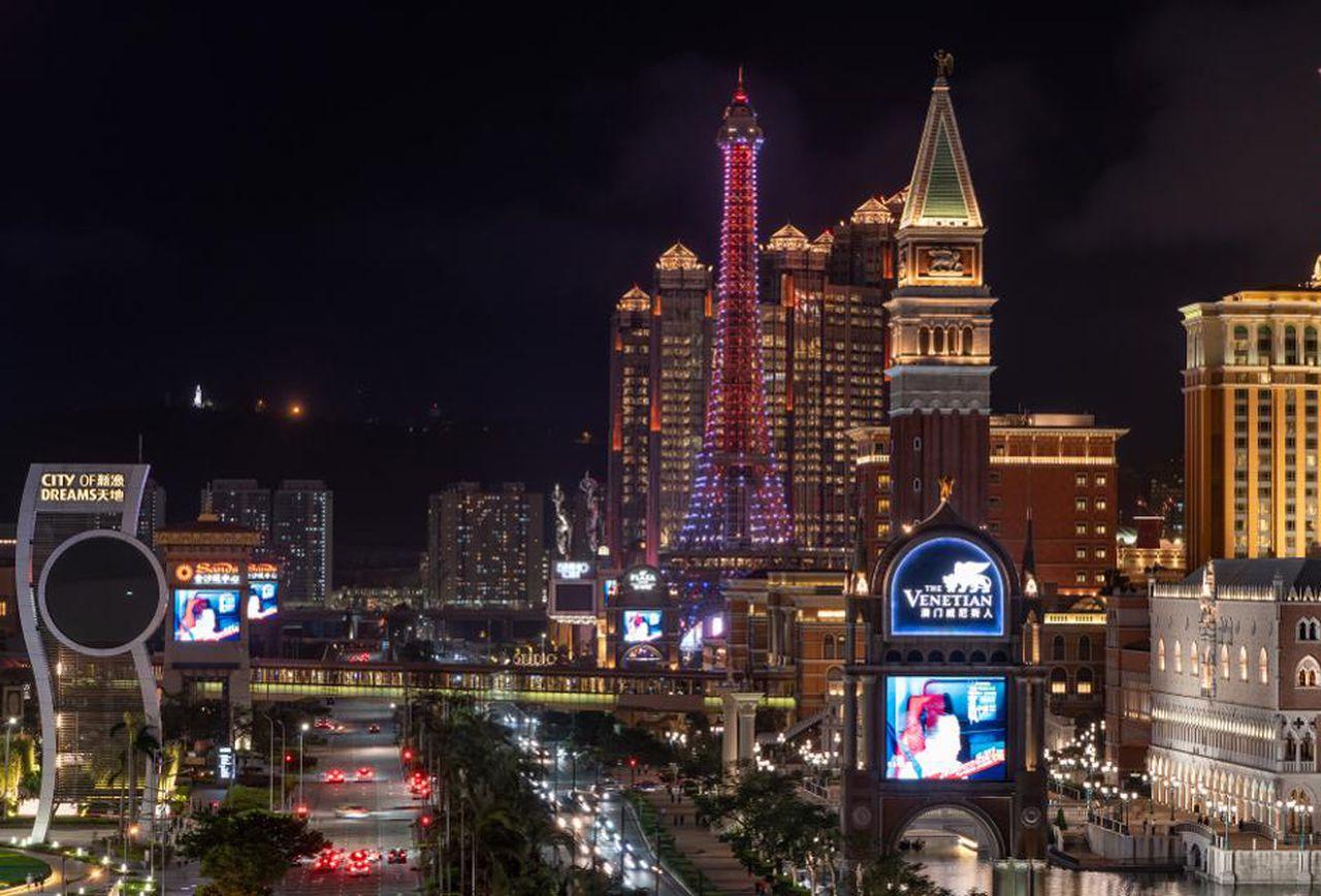 Macau Casino Gambling Revenue Down 72.5%