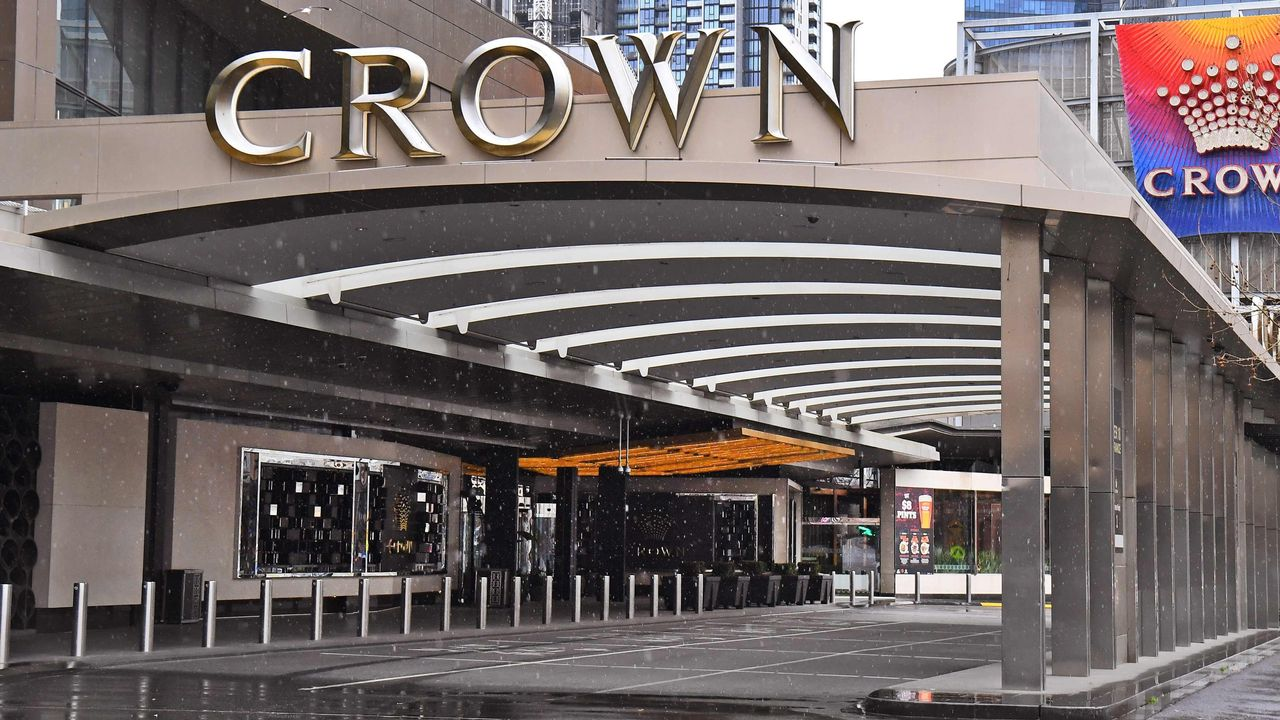 Oaktree Throws Hat Into Ring Offering To Purchase James Packer's Crown Stake